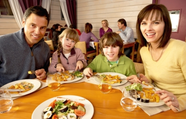 Tips Eating Out Kids